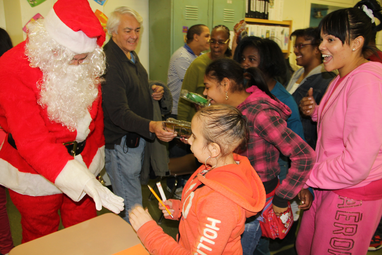Christmas Smiles For a Special School