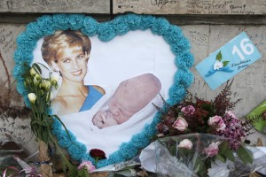 "Tributes for the late Diana, Princess of Wales, at the ""Flame of Liberty"" statue, in Paris"