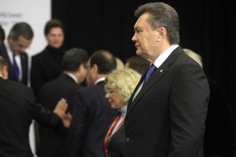 Ukraine president turns his back on turmoil, heads for China