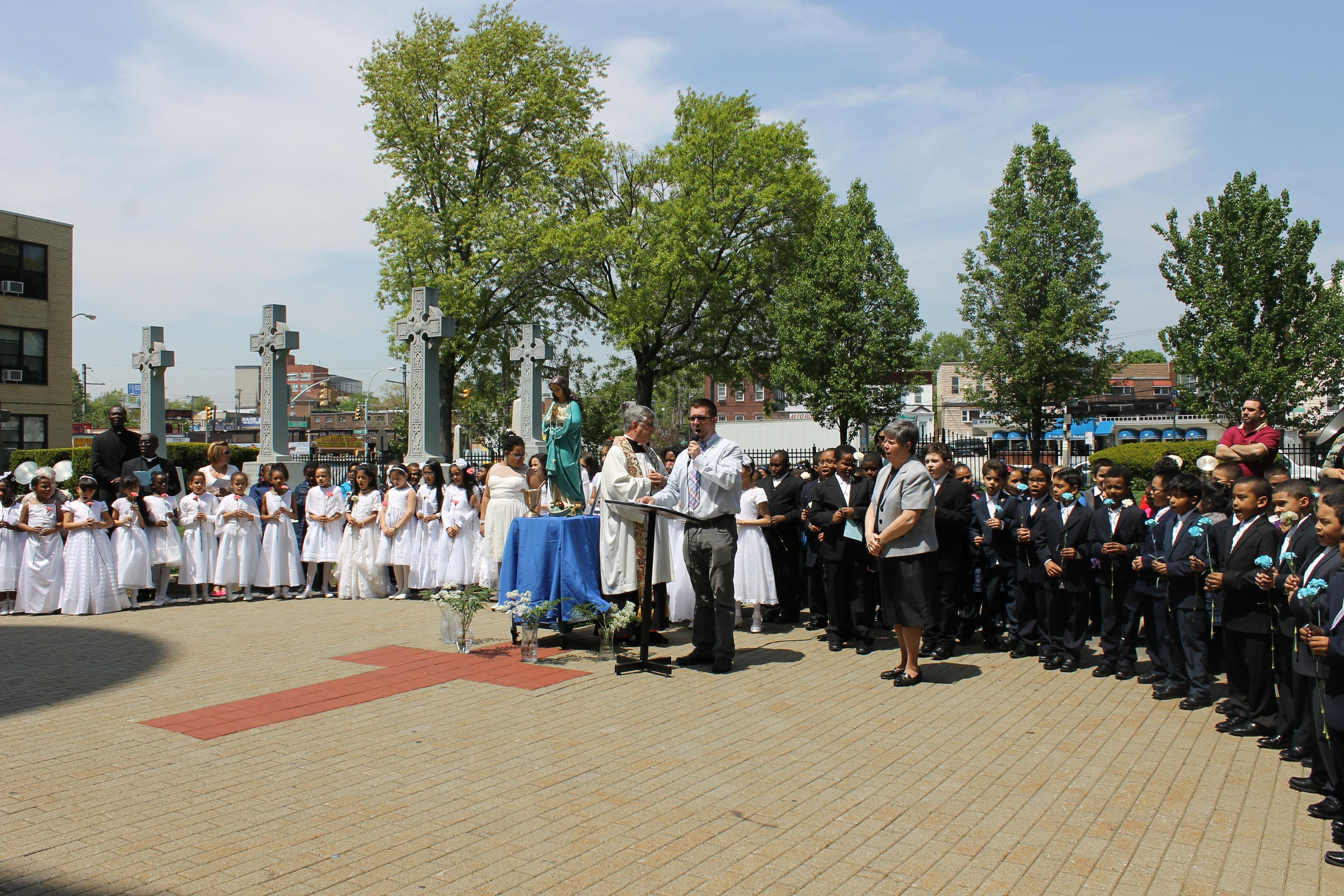 St. Raymond Elementary School Celebrates May Crowning