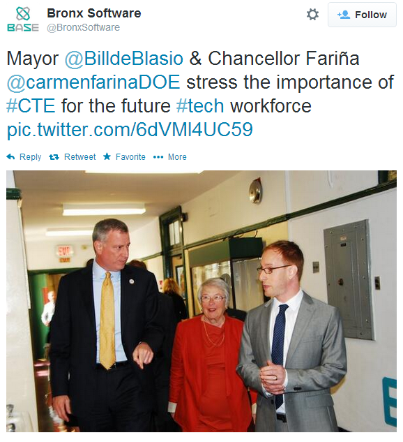 Mayor De Blasio Unveils Tech Investments In CUNY And City Schools At West Bronx HS