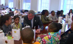 Mayor de Blasio with school children