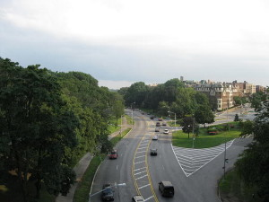 640px-Mosholu_Parkway_in_the_Bronx