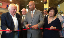 BP Diaz Cuts Ribbon at New Bakery