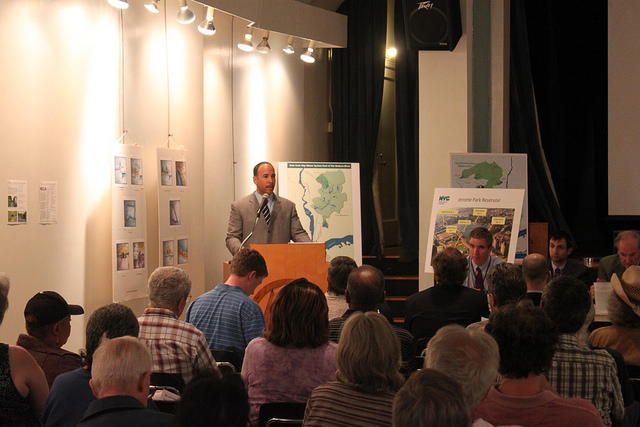 Back in June 2011, Bronx Borough President Ruben Diaz Jr. hosted a public hearing at Vladek Hall in the Amalgamated Houses to discuss public interest in the future of the Jerome Park Reservoir.