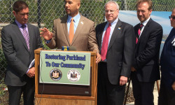 BP Ruben Diaz Jr. joined State Senator Jeff Klein, Assemblyman Jeffrey Dinowitz and then Community Board #8 Chairman Robert Fanuzzi at an announcement concerning legislation opening parts of the Jerome Park Reservoir for public use ( June 4, 2014).