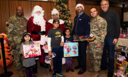 Borough President Diaz Distributes Toys to Veterans' Families at Bronx Zoo
