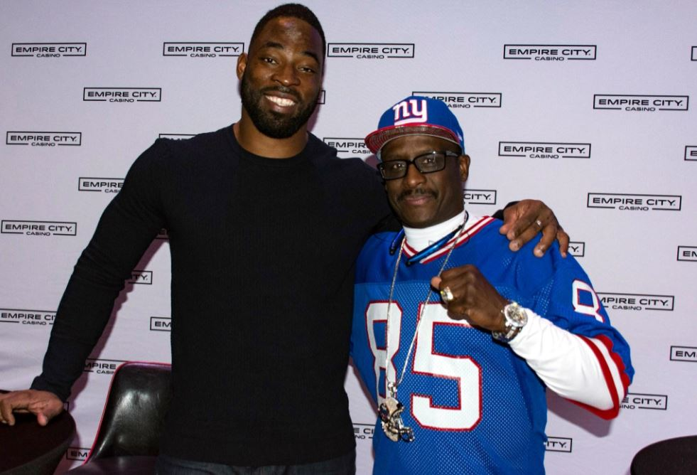 Former Super Bowl champs (l-R): Justin Tuck and Stephen Baker hung out with fans during a Super Bowl party at Empire City Casino. Photo courtesy of Empire City Casino