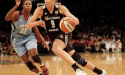 New York Liberty forward Rebecca Allen (9) drives