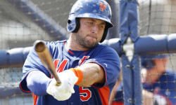 Tim Tebow practices his swing during batting practice in Port St. Lucie, FL. Credit: Las Vegas Review-Journal