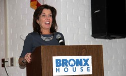 Lieutenant Governor Hochul Visits Bronx House