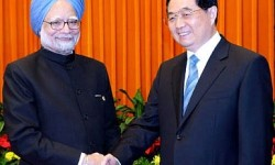 India's Foreign Minister Manmohan Singh and China's Xi Jinping. Credit: thediplomat.com