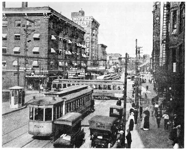 On August 5, 1914, the world's first electric traffic signal is put into place. Pinterest