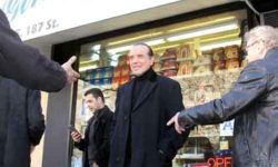 "Actor Chazz Palminteri returns to his old neighborhood of Belmont to announce a new memorabilia line based on the film and play, ""A Bronx Tale.""--Photo by David Greene"
