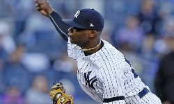 Inconsistent Snell; Yankees Rookies Dominate Again
