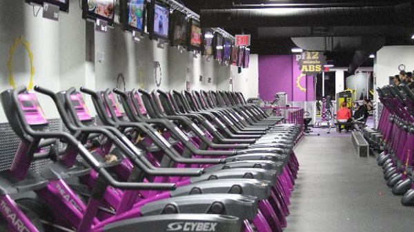 "PLANET FITNESS OPENS ""JUDGEMENT FREE"" GYM AT JEROME AVE"