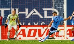 Aug 22, 2018; New York, NY, USA; New York City forward David Villa (7) scores a goal during second half against New York Red Bulls at Yankee Stadium. Mandatory Credit: Noah K. Murray-USA TODAY Sports