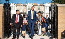 Mayor Bill de Blasio and Schools Chancellor Richard Carranza join students, families, and teachers for the first day of the 2018-19 school year at PS 377 in Ozone Park, Queens. Michael Appleton/Mayoral Photography Office