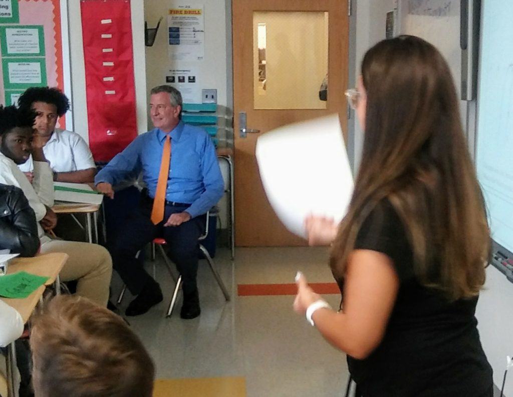 Mayor De Blasio Visit To Bronx School The Bronx Chronicle